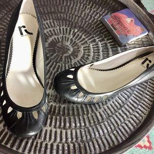 Report black leather low Wedges Heels Sz 9
